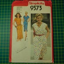Simplicity 9373 wrap dress